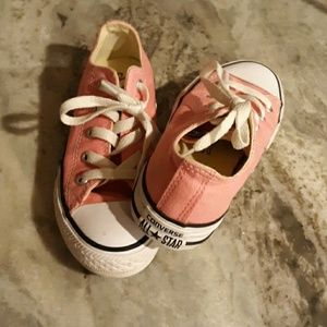 Converse size 13 pink tennis shoes like new!